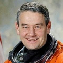 Лётчик-космонавт, Герой России Валерий Корзун