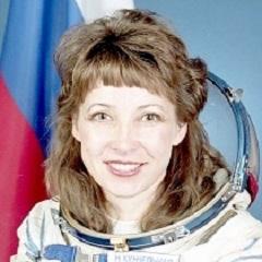Лётчик-космонавт  Надежда Кужельная «…слова и выражения в нужный момент возникали из памяти как будто сами, без видимых усилий...»